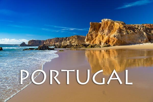 Praia Do Tonel, small isolated beach in Alentejo region, Sagres, Portugal.